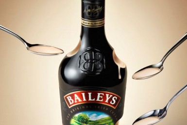3D Baileys Liquids and Bottles Drink Product Advertising Animation