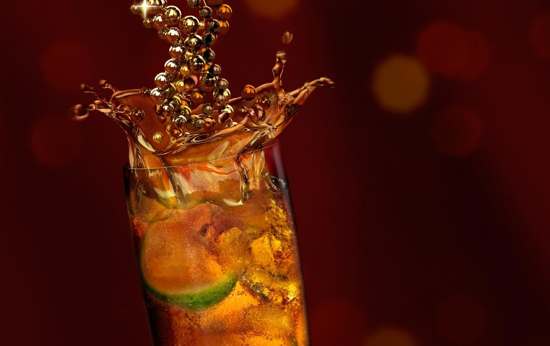 3D liquid southern comfort in tall glass thumbnail