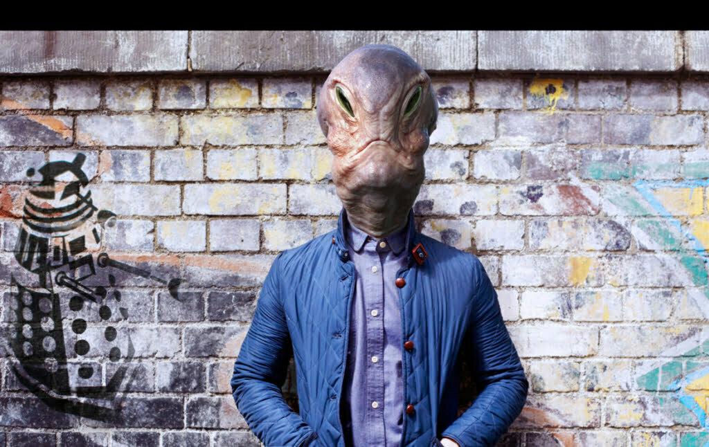 3D Fashionable Alien Creature Illustration Thumbnail